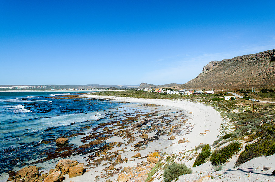 THE-SOUTHERN-END-OF-ELANDS-BAY